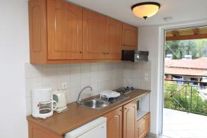 Cucina o angolo cottura di Yiannis Studios