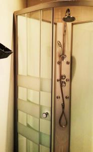A bathroom at Coimbra Portagem Hostel