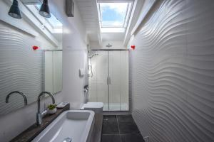 A bathroom at Casa Tommasini
