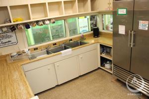 ホステリング インターナショナル ホノルルにあるキッチンまたは簡易キッチン