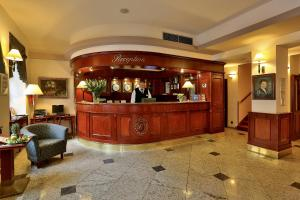 The lobby or reception area at Carlton