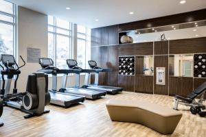 The fitness centre and/or fitness facilities at AC Hotel National Harbor Washington, DC Area
