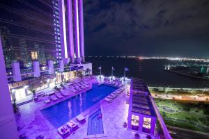 A view of the pool at Hilton Panama or nearby