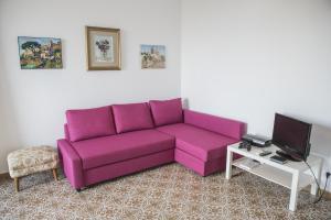 A seating area at Casa Mansi