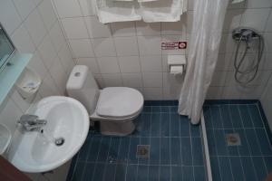 Ένα μπάνιο στο Brati - Arcoudi Hotel