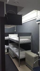 Krevet ili kreveti na sprat u jedinici u okviru objekta Silver House Hostel