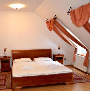 Posteľ alebo postele v izbe v ubytovaní Penzion Scarlet