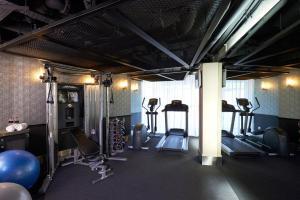Das Fitnesscenter und/oder die Fitnesseinrichtungen in der Unterkunft The Scarlet Singapore (SG Clean, Staycation Approved)