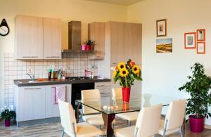 A kitchen or kitchenette at Agriturismo Casa Rosa