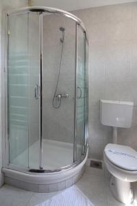A bathroom at Hotel Consul