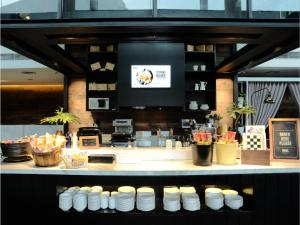 A restaurant or other place to eat at Morrissey Hotel Residences