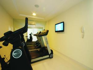 The fitness center and/or fitness facilities at Hotel Bandeirantes