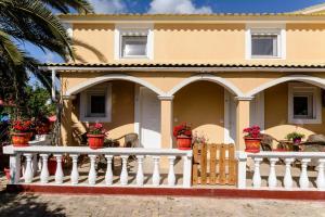 A balcony or terrace at Eleni Family Apartments