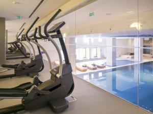 The fitness center and/or fitness facilities at Hotel Excelsior