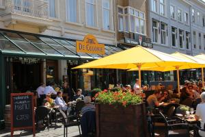 A restaurant or other place to eat at Stadshotel De Klok