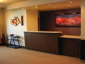The lobby or reception area at Ledgestone Hotel Billings