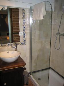 A bathroom at La Serranilla