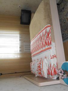 Кровать или кровати в номере Apartments at Krasniy Prospekt 2