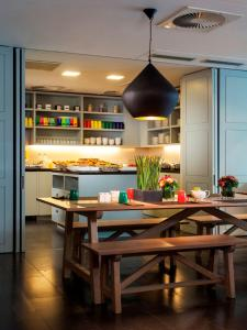 A restaurant or other place to eat at Park Inn by Radisson Antwerpen