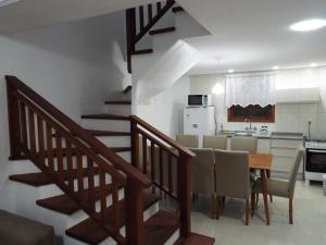 A kitchen or kitchenette at Sobrado House