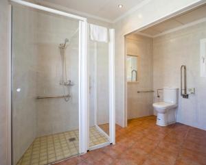 A bathroom at Hostal Adelino