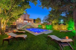 Piscine de l'établissement Villa Small Paradise ou située à proximité