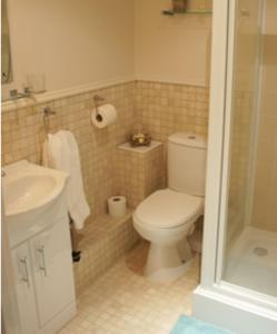 A bathroom at The Bull at Great Totham Limited