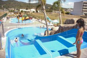 Uitzicht op het zwembad bij Hotel Europa Splash & Spa of in de buurt