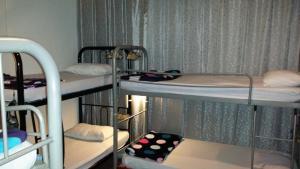 Litera o literas de una habitación en Jalan Jalan Guest House