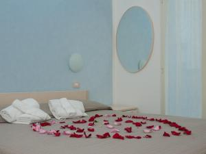 A bed or beds in a room at Residence Art