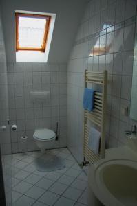 Ein Badezimmer in der Unterkunft Werners Landgasthaus