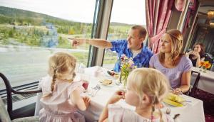 A family staying at Storefjell Resort Hotel