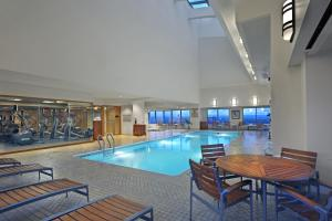 The swimming pool at or near Hartford Marriott Downtown