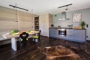 A kitchen or kitchenette at N6 Oberstdorf