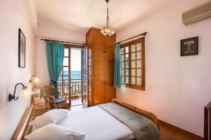 A bed or beds in a room at Villa Diamanti