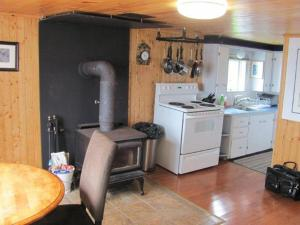 A kitchen or kitchenette at Wolf Cove Retreat House