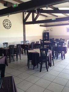 Restaurant ou autre lieu de restauration dans l'établissement Le Relais des Bergers