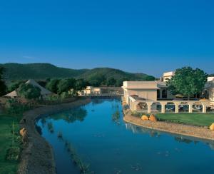 The swimming pool at or close to The Oberoi Vanyavilas Wildlife Resort, Ranthambhore