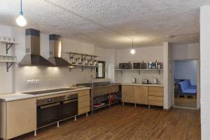 Cuisine ou kitchenette dans l'établissement Stay Hostel Rhodes