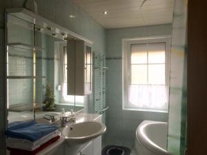 Ein Badezimmer in der Unterkunft Ferienwohnung Thale