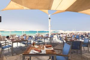 A restaurant or other place to eat at Barceló Tiran Sharm Resort