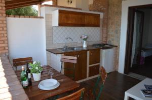 A kitchen or kitchenette at Villa Russo