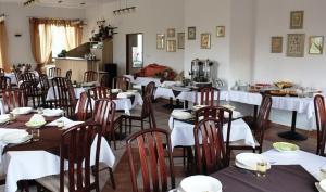 Restauracja lub miejsce do jedzenia w obiekcie Villa Valle Verde