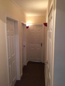 A bathroom at Brunswick Court Apartments
