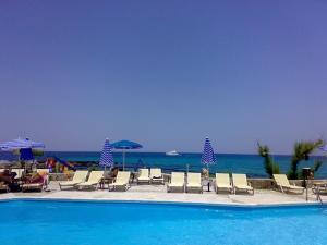 Piscina di Blue Beach Villas Apartments o nelle vicinanze