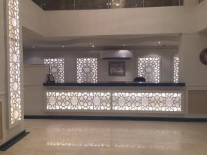 منطقة الاستقبال أو اللوبي في صن رايز للأجنحة الفندقية