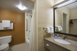 A bathroom at Fairfield Inn & Suites Chicago Midway Airport