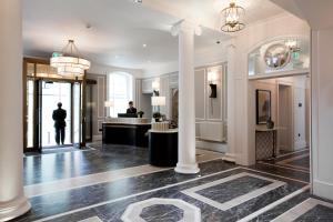 The lobby or reception area at The Gainsborough Bath Spa - YTL Classic Hotel