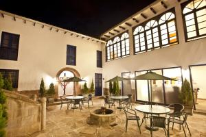 A restaurant or other place to eat at Tierra Viva Cusco Centro