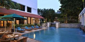 Бассейн в Welcomhotel by ITC Hotels, Cathedral Road, Chennai или поблизости